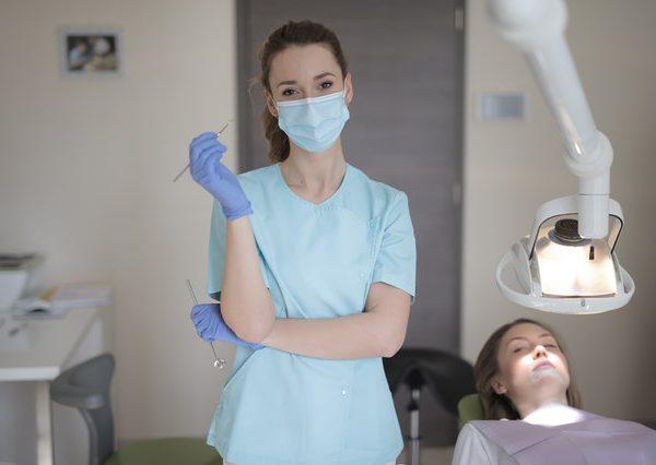 Co to jest bonding zębów?